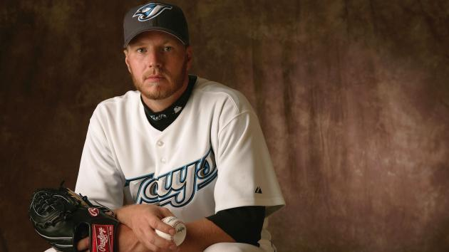 <p>Roy Halladay's son pitches perfect inning in debut against Blue Jays</p>