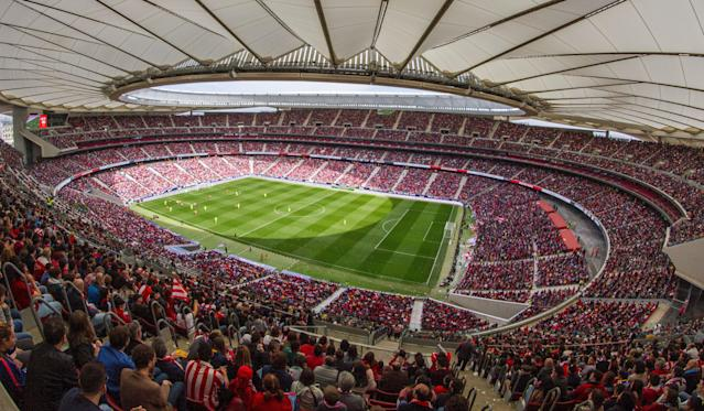 "Fans packed the Wanda Metropolitano to watch Atletico Madrid battle <a class=""link rapid-noclick-resp"" href=""/soccer/teams/barcelona/"" data-ylk=""slk:Barcelona"">Barcelona</a> in a women's soccer match on Sunday. (Getty)"