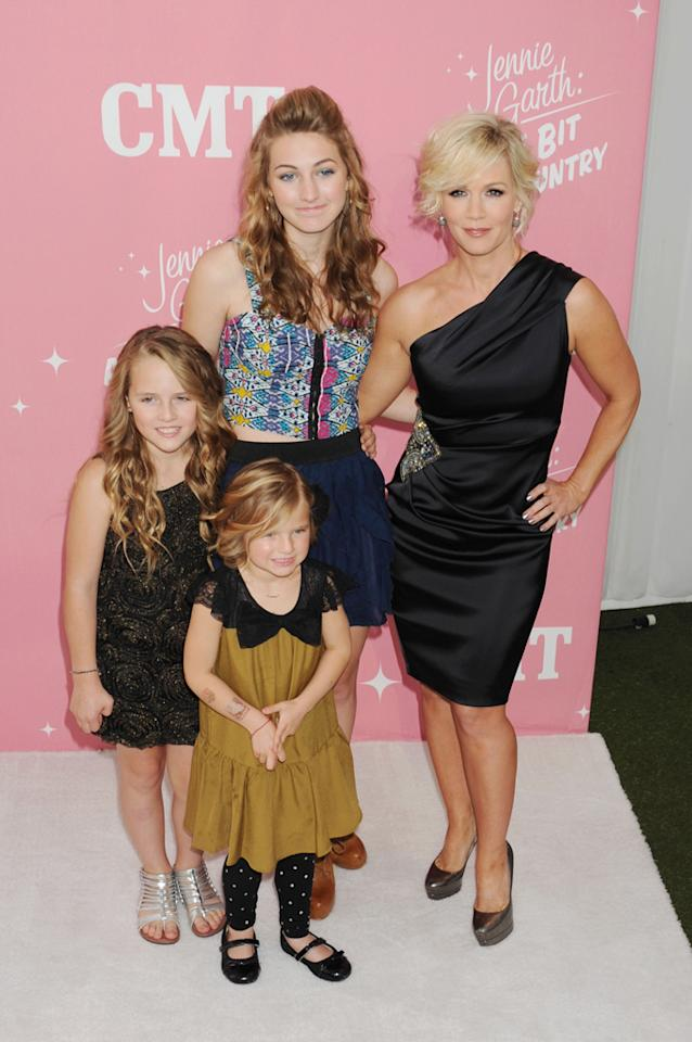 "Jennie Garth and daughters Luca Bella Facinelli, Lola Ray Facinelli, and Fiona Eve Facinelli arrive at Garth's 40th birthday celebration & premiere party for ""<a target=""_blank"" href=""http://tv.yahoo.com/jennie-garth-little-bit-country/show/48388"">Jennie Garth: A Little Bit Country</a>"" held at The London Hotel on April 19, 2012 in West Hollywood, California."