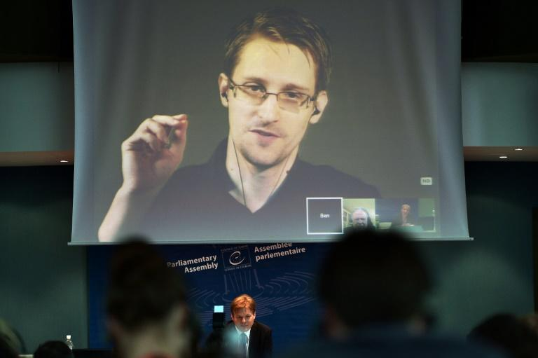Snowden a 'fabricator' in contact with Russian intel