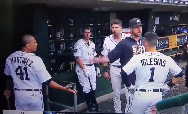 Justin Verlander and Victor Martinez argue in the Tigers dugout. (MLB Network)