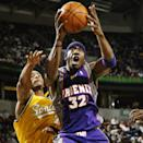 <p>Amar'e Stoudemire committed to the University of Memphis, but changed his mind to try his chances in the NBA Draft. </p>