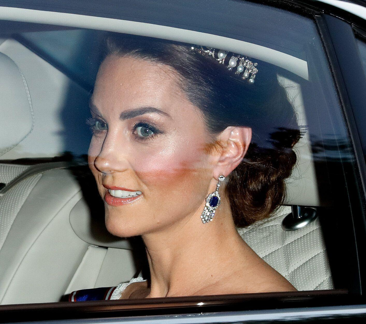The Duchess of Cambridge arrives at the state banquet [Photo: Getty]