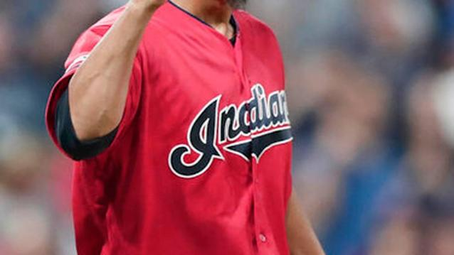 Indians beat Phillies 5-2, remain tied for 2nd AL wild card