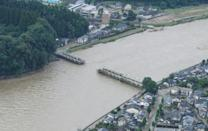 The floods in Japan washed away many bridges