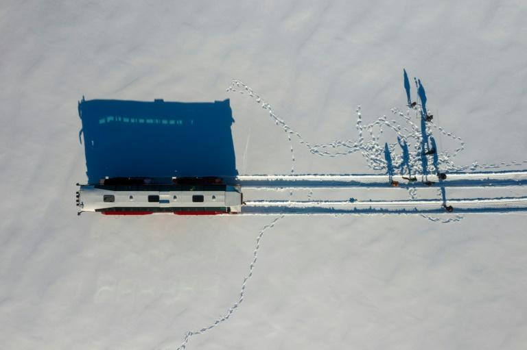 Because of its size, the bus can traverse crevasses three metres wide