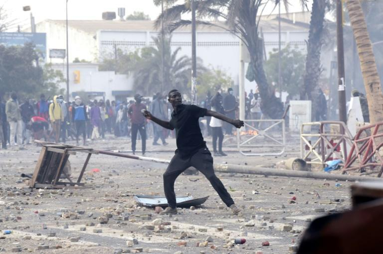Security forces were targeted by protesters in Dakar