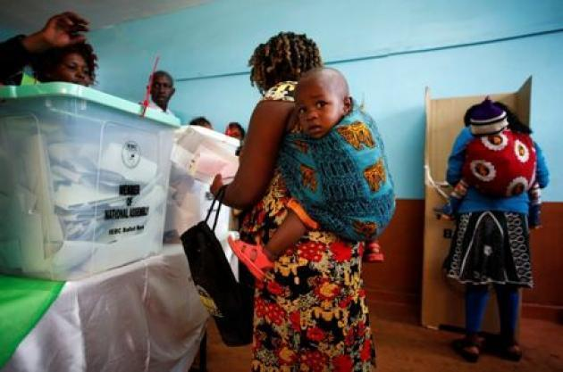 <p>Some Kenyans, keen to vote, rent babies to jump long queues</p>