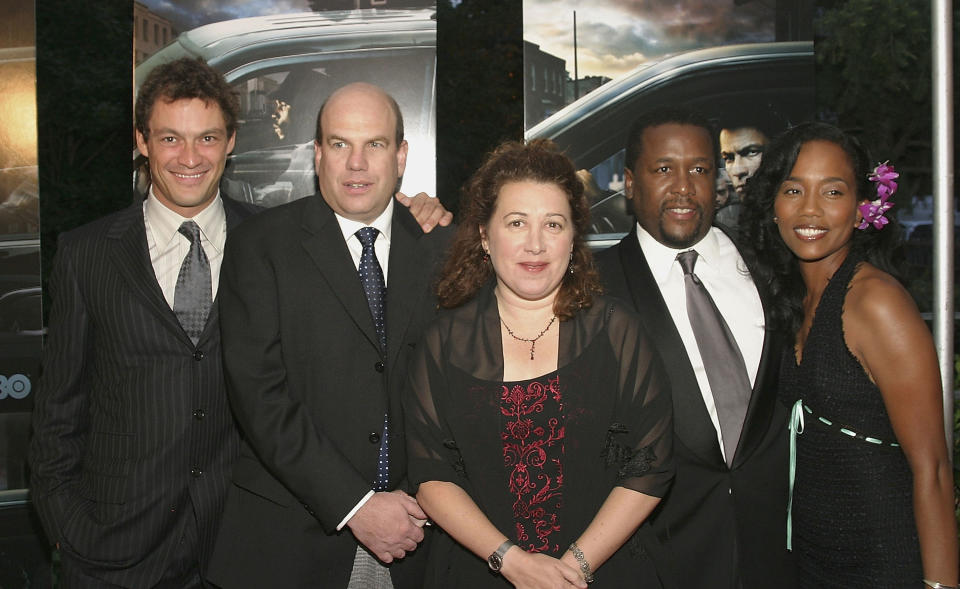 """NEW YORK - SEPTEMBER 14:  Dominic West, Creator and Executive Producer David Simon, Guest, Wendell Pierce and Sonja Sohn arrive at Chelsea West Theaters on West 23rd St. for the premiere of """"The Wire"""" on September 14, 2004 in New York City. (Photo by Scott Wintrow/Getty Images)"""