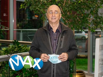 The lucky winner Claude Perron. (CNW Group/Loto-Québec)