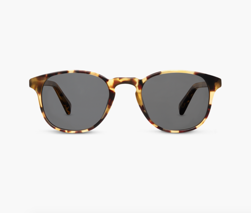 "<p><strong>Warby Parker</strong></p><p>warbyparker.com</p><p><strong>$95.00</strong></p><p><a href=""https://go.redirectingat.com?id=74968X1596630&url=https%3A%2F%2Fwww.warbyparker.com%2Fsunglasses%2Fwomen%2Fdowning%2Fwalnut-tortoise&sref=https%3A%2F%2Fwww.prevention.com%2Flife%2Fg27288061%2Ffathers-day-gift-ideas%2F"" rel=""nofollow noopener"" target=""_blank"" data-ylk=""slk:Shop Now"" class=""link rapid-noclick-resp"">Shop Now</a></p><p>Dads deserve nice sunglasses, too. This tortoiseshell pair, from eyewear favorite Warby Parker, looks good on just about everyone and comes with a carrying case. (For a little extra, you can get these with optical lenses, too.)</p>"