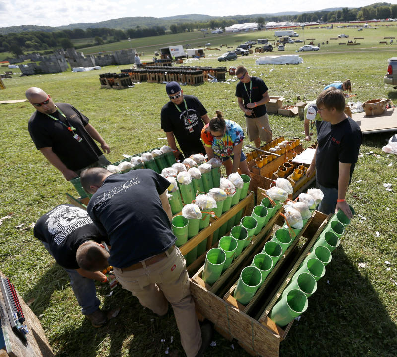Pyro-mania: Fireworks fans hold explosive meeting