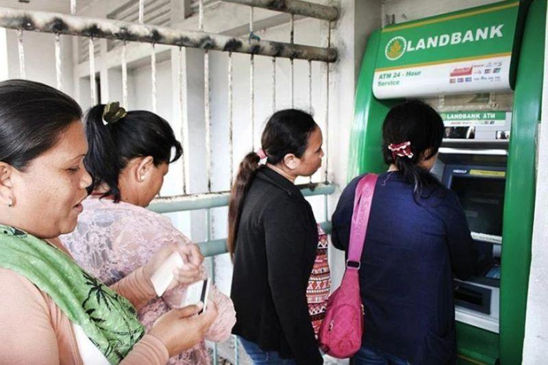 Banked population rises to 29%