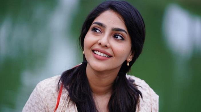 Aishwarya Lekshmi commands more than 1.6 million followers on her Instagram profile.