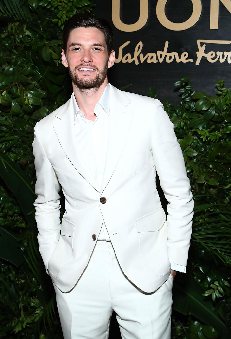 <p>Two words: white suit.</p>