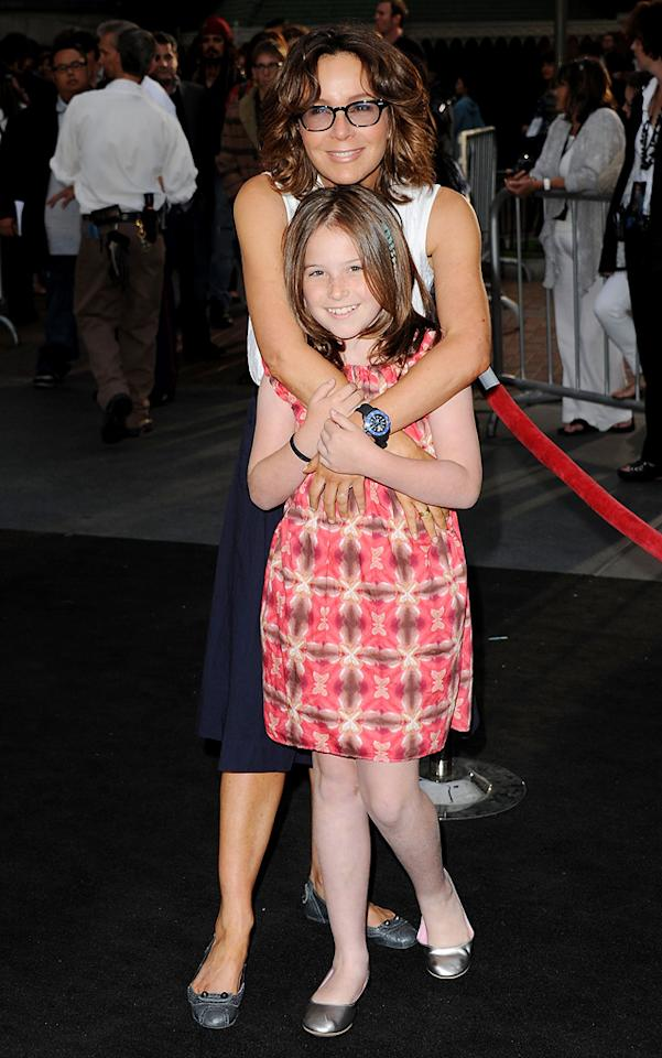 "<a href=""http://movies.yahoo.com/movie/contributor/1800021291"">Jennifer Grey</a> and daughter attend the Disneyland premiere of <a href=""http://movies.yahoo.com/movie/1809791042/info"">Pirates of the Caribbean: On Stranger Tides</a> on May 7, 2011."