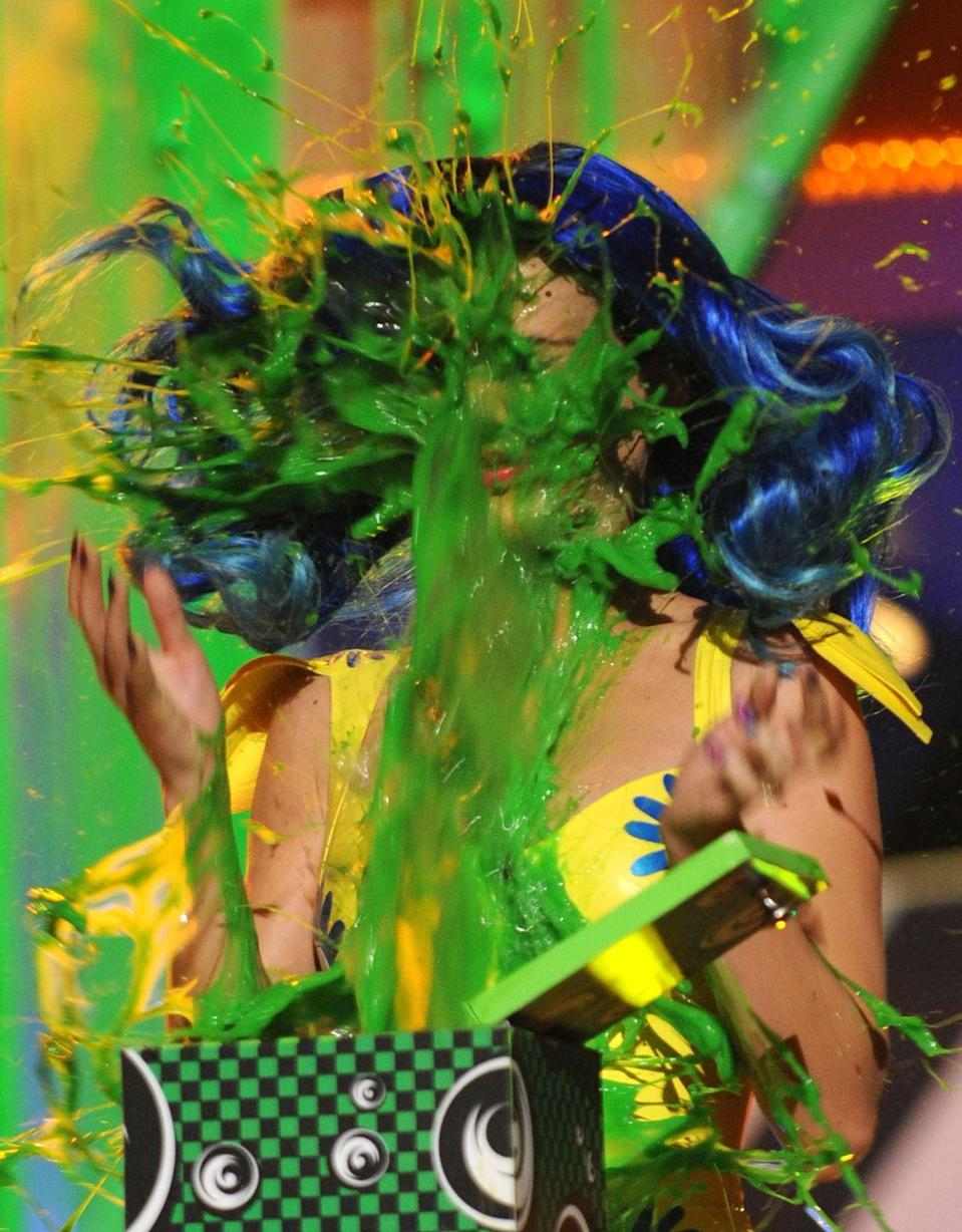 <p>May I present: Katy Perry Gets Slimed, a story in three parts. Part one: Impact. </p>