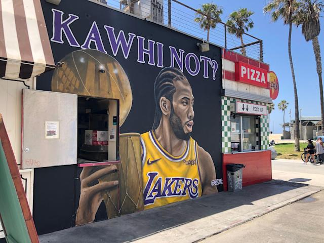 The work of Los Angeles muralist Gustavo Zermeño Jr. has caught the attention of basketball fans the last two summers. (Alanis Thames/Yahoo Sports)