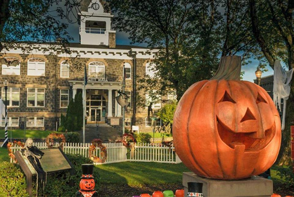 """<p>Disney released <em>Halloweentown</em> in 1998, and the movie quickly captured hearts across the country, becoming a holiday classic to watch with the whole family year after year. <span class=""""redactor-invisible-space"""">Fun fact: <a class=""""link rapid-noclick-resp"""" href=""""https://www.facebook.com/Halloweentown.OR/"""" rel=""""nofollow noopener"""" target=""""_blank"""" data-ylk=""""slk:St. Helens, Oregon"""">St. Helens, Oregon</a>, the city where much of the original movie was filmed, has its own <a href=""""https://www.countryliving.com/life/travel/a36343/halloweentown-celebration/"""" rel=""""nofollow noopener"""" target=""""_blank"""" data-ylk=""""slk:Halloweentown celebration"""" class=""""link rapid-noclick-resp""""><em>Halloweentown</em> celebration</a> each year.</span></p>"""