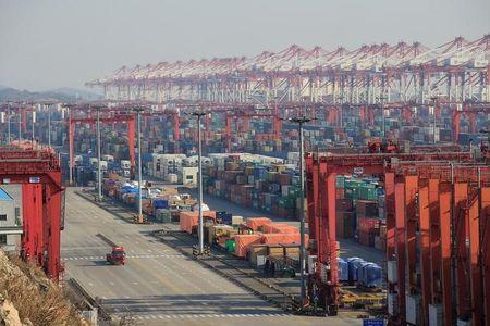 Cross-strait trade picked up in 2017: Chinese customs