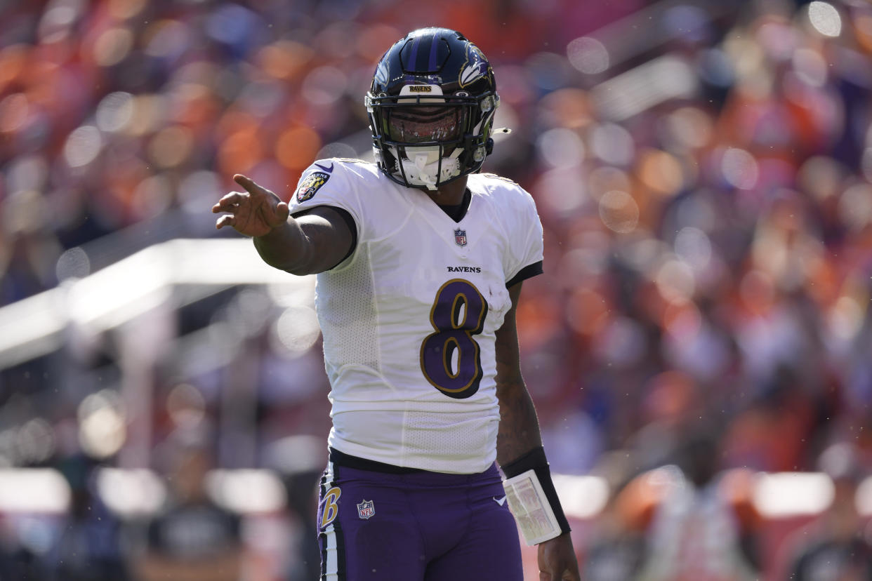 Will Lamar Jackson and the Baltimore Ravens be a candidate to play on Monday night of wild-card weekend? (AP Photo/David Zalubowski)