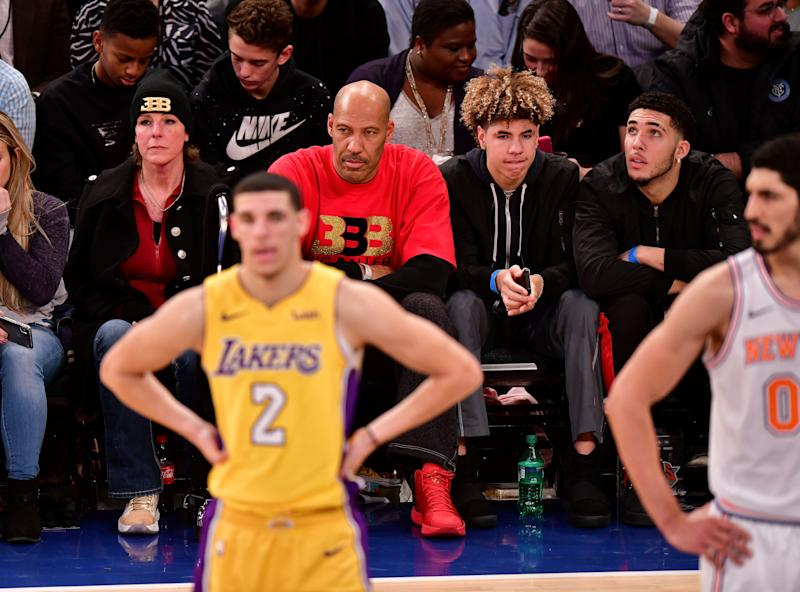 NEW YORK, NY - DECEMBER 12: Tina Ball, Lonzo Ball, LaVar Ball, LaMelo Ball and LiAngelo Ball attend the Los Angeles Lakers Vs New York Knicks game at Madison Square Garden on December 12, 2017 in New York City. (Photo by James Devaney/Getty Images)