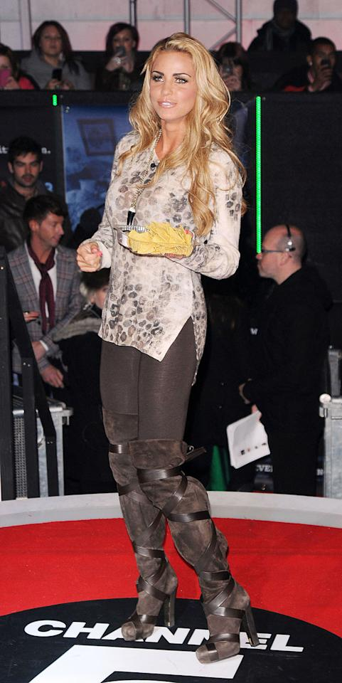 Katie Price kept it casual with a tray of nachos.