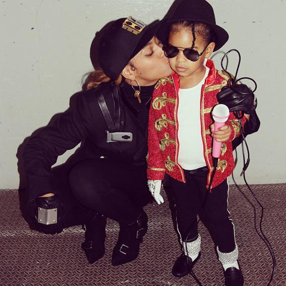 <p>Peep that white glove! Blue plays MJ to Bey's Janet Jackson for Halloween 2014.</p>
