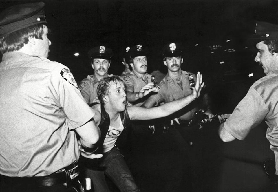 The Stonewall riots of 1969 are widely considered to be the single most important event leading to the modern US gay rights movement (Rex)