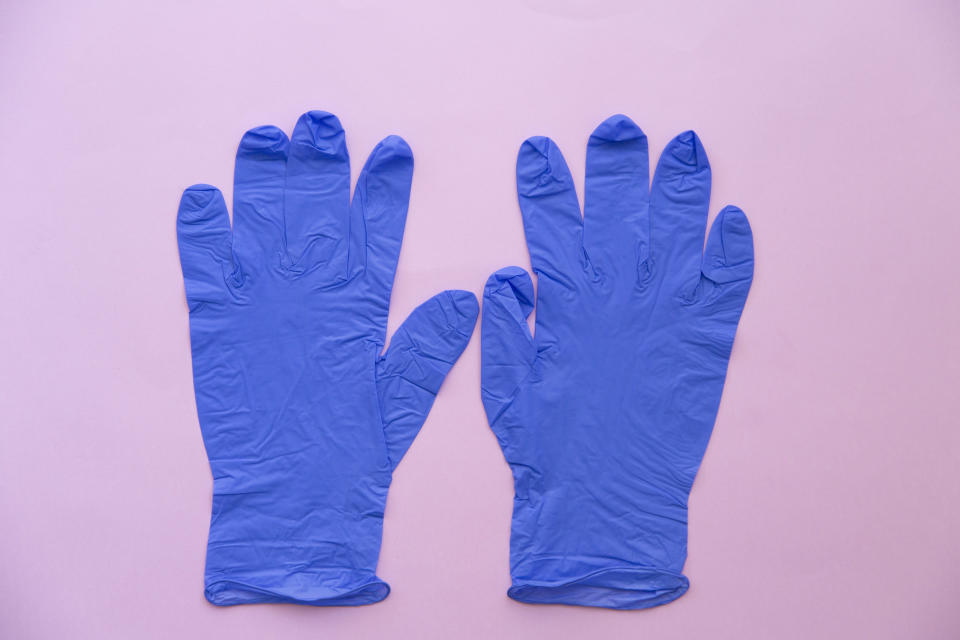 Wearing gloves doesn't have to be a burden — these fit like a...glove. (Photo: Getty)