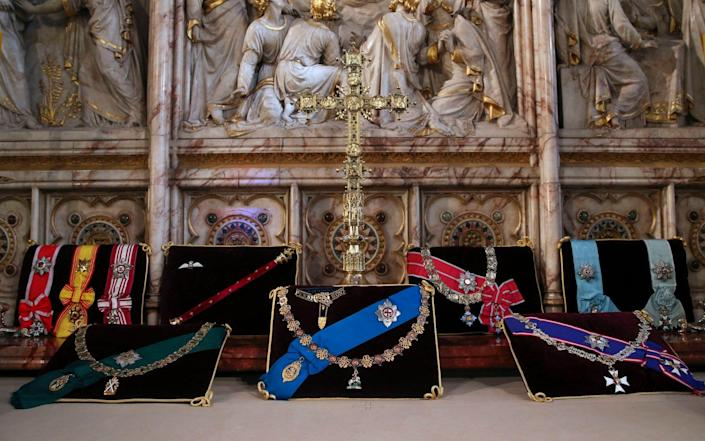 The Duke's chosen insignia laid out at the altar in St George's chapel