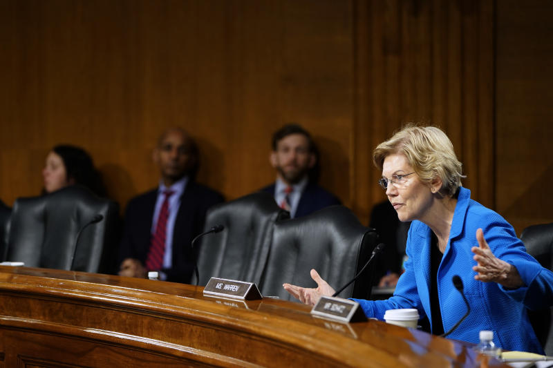 WASHINGTON, DC - FEBRUARY 26: Senator Elizabeth Warren (D-MA) questions Federal Reserve Chairman Jerome Powell as he delivers the Federal Reserves Semiannual Monetary Policy Report to the Senate Banking Committee on February 26, 2019 in Washington, DC. (Photo by Joshua Roberts/Getty Images)