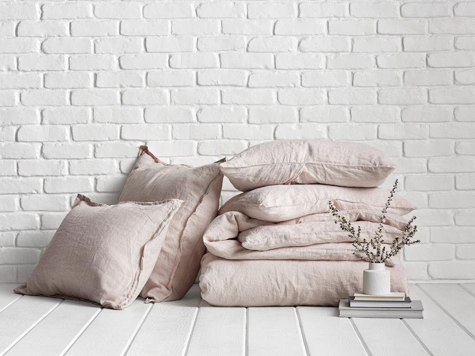 Bedding on sale at Parachute Home. (Photo: Parachute Home)