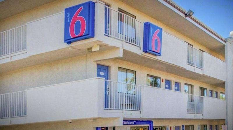 Motel 6 Will 'Leave The Light On' For ICE In Phoenix, Report Finds