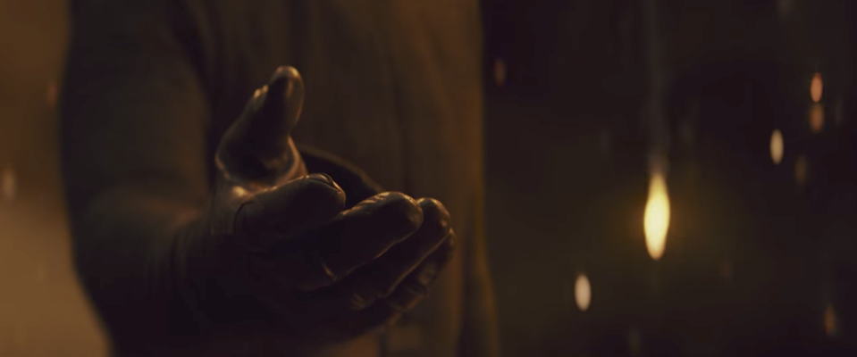 Kylo offers his hand to Rey in the closing shot of the trailer. (Credit: Lucasfilm)