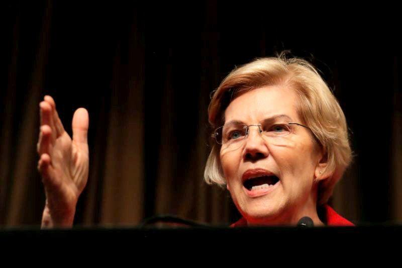 Sen. Elizabeth Warren, D-Mass., speaks at the National Action Network conference in New York City on Friday. (Photo: Lucas Jackson/Reuters)