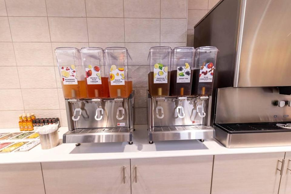 Beverage options at Salata include flavored lemonades and teas.