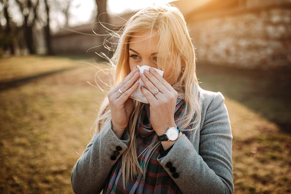 Your allergies may feel worse this fall. (Photo: Getty)