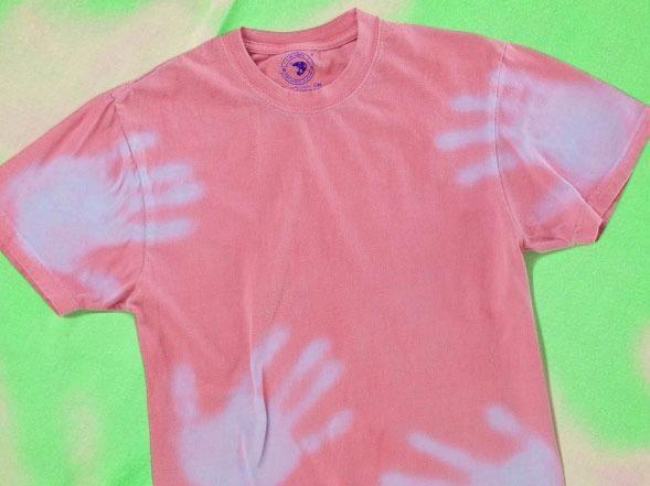 Hypercolour t-shirts were big in the under-12 crowd. Source: Wiki Commons