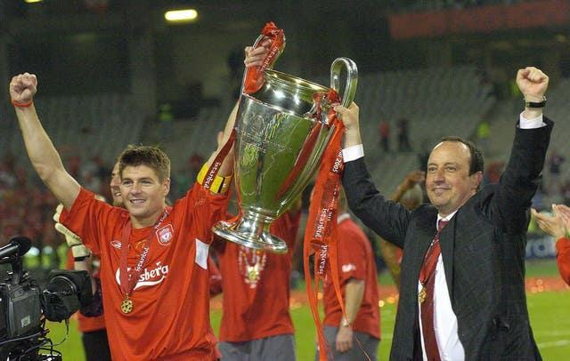 Benitez (right) remains a revered figure at rivals Liverpool