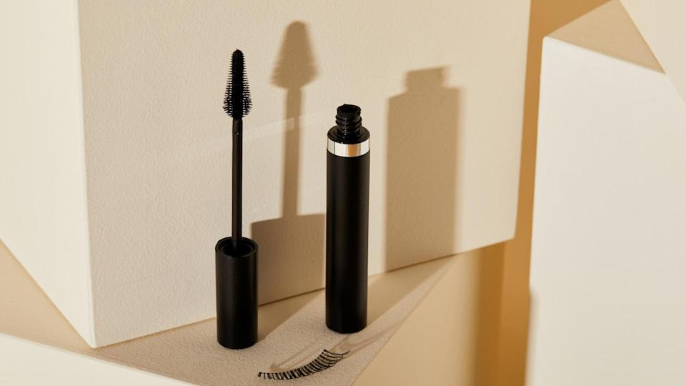 Best mascara tube with wand out