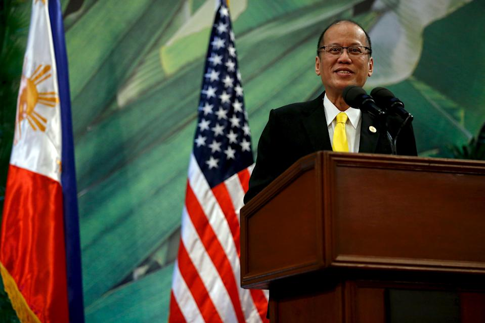 Philippines President Benigno Aquino delivers remarks to the media after meeting with U.S. President Barack Obama alongside the APEC summit in Manila, Philippines, November 18, 2015. REUTERS/Jonathan Ernst