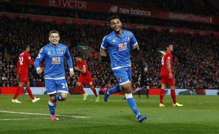 Bournemouth's Joshua King celebrates scoring their second goal with team mates  Action Images via Reuters / Jason Cairnduff
