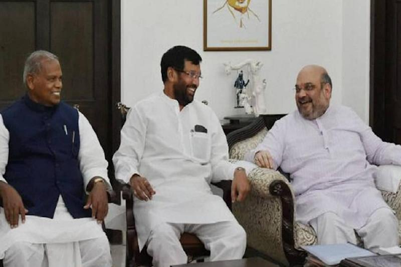 Manjhi Makes His Move, Is Paswan Next? Bihar Deck Gets Shuffled as Dalit Politics Takes Centre Stage