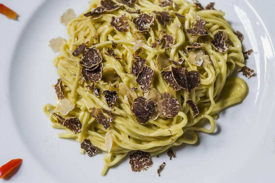 <p>Taglierini is typically served with butter and truffles. </p>
