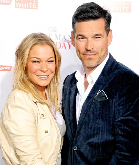 """Eddie Cibrian Says LeAnn Rimes Wants to Have a Baby Girl """"Badly"""""""