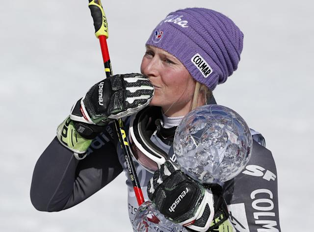 World Cup women's giant slalom overall champion France's Tessa Worley blows a kiss to the crowd after a women's World Cup giant slalom ski race Sunday, March 19, 2017, in Aspen, Colo. (AP Photo/Brennan Linsley)