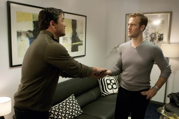 Exclusive Apartment 23 Video: The Beek Freaks Out Over Dean Cain's Bigger [Spoiler]
