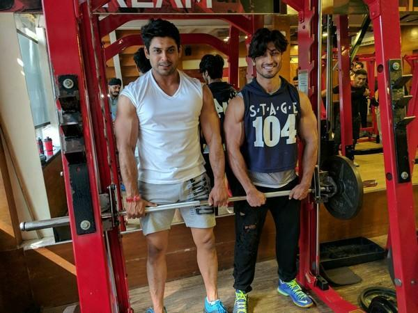 Late Sidharth Shukla with Vidyut Jammwal (Image source: Instagram)