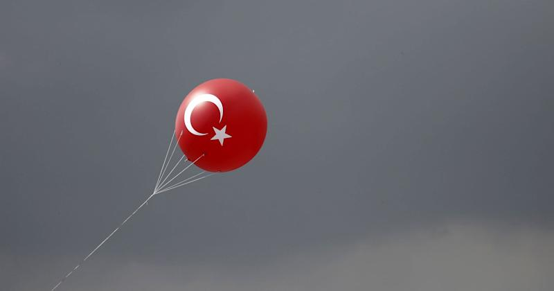 Fitch Raises Turkey's Outlook to Stable on Continued GDP Growth